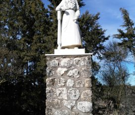 Monumento a la Mujer Alcarreña