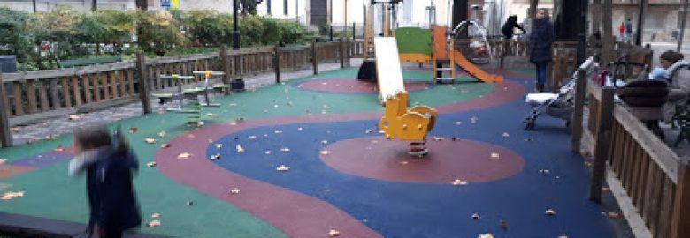 Parque infantil al aire libre
