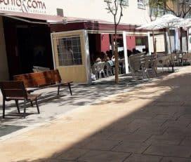 Punto y Coma – Café, Restaurante, Ludoteca